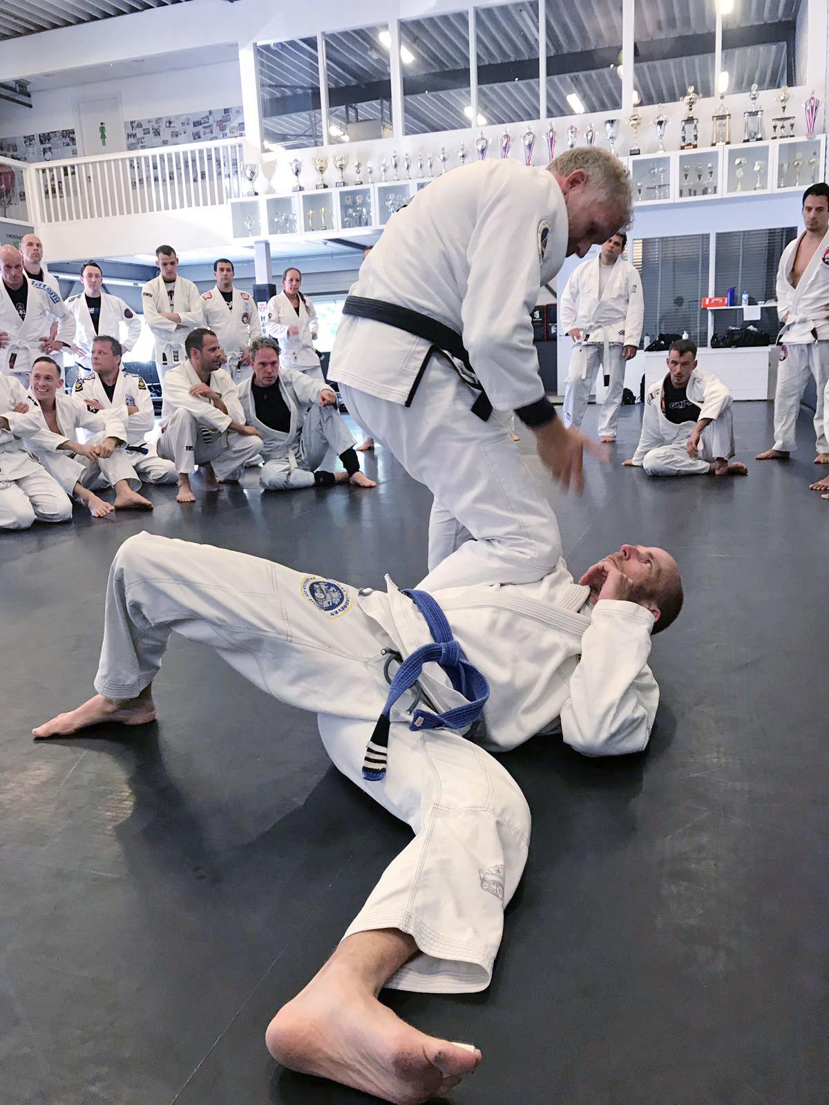 harold-harder_seminar_gracie-jiu-jitsu-gouda_bjj-braziliaans-jiu-jitsu-zelfverdediging_selfdefense-4