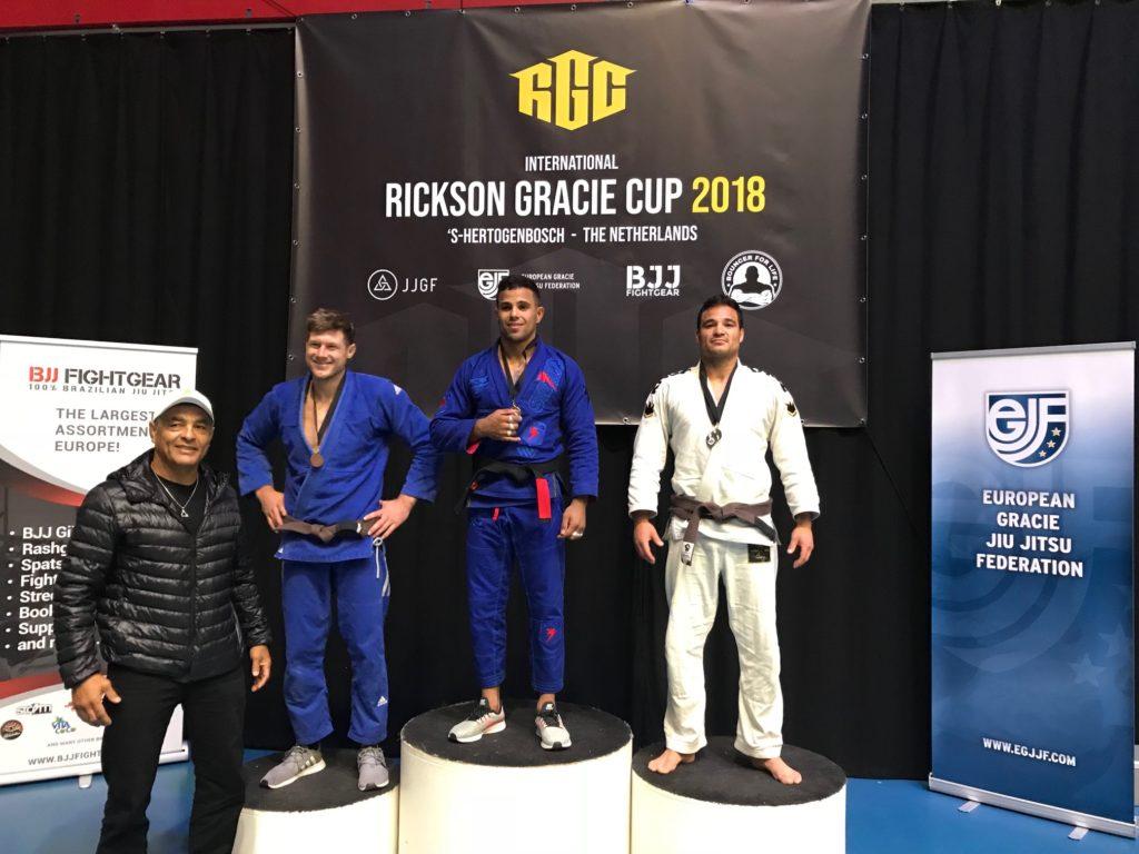 gracie-jiu-jitsu-gouda_bjj-braziliaans-jiu-jitsu-zelfverdediging_selfdefense-logo-dojo-rickson-gracie-cup-2018-Frank-zilver-3
