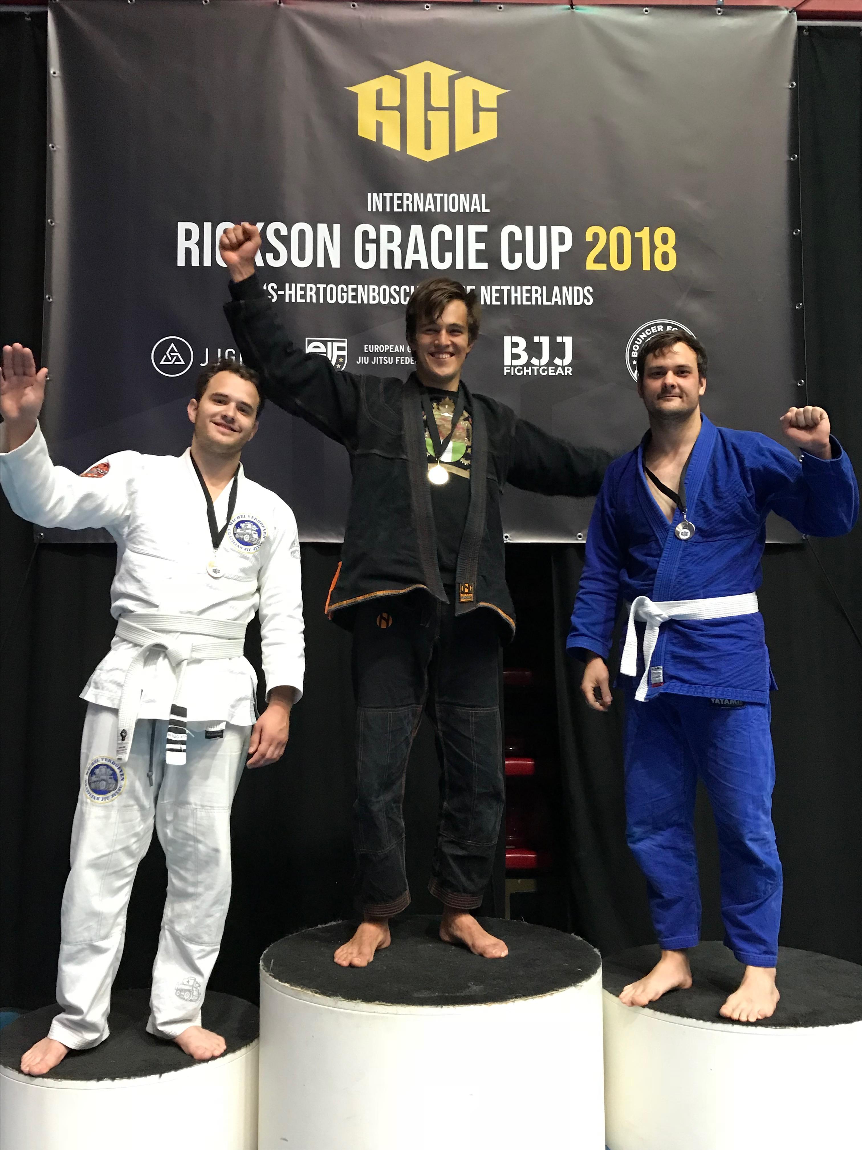 gracie-jiu-jitsu-gouda_bjj-braziliaans-jiu-jitsu-zelfverdediging_selfdefense-logo-dojo-rickson-gracie-cup-2018-casper-goud+brons-3