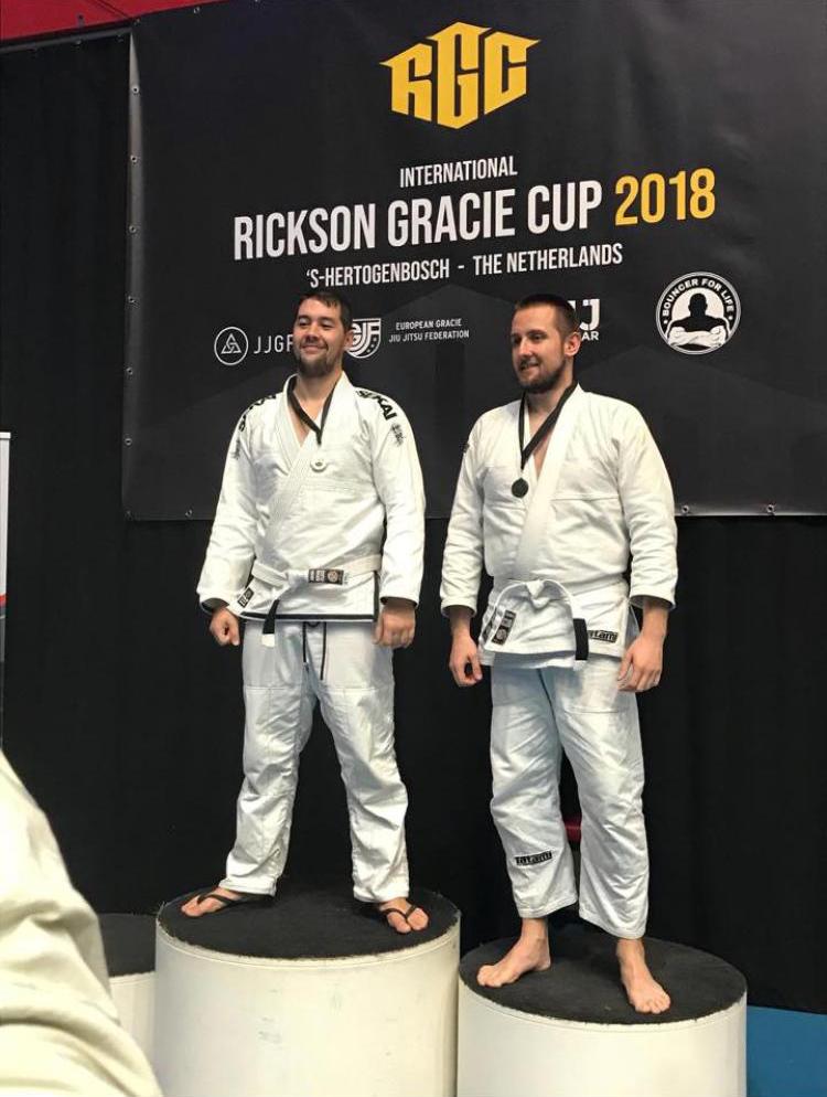 gracie-jiu-jitsu-gouda_bjj-braziliaans-jiu-jitsu-zelfverdediging_selfdefense-logo-dojo-rickson-gracie-cup-2018-django-goud