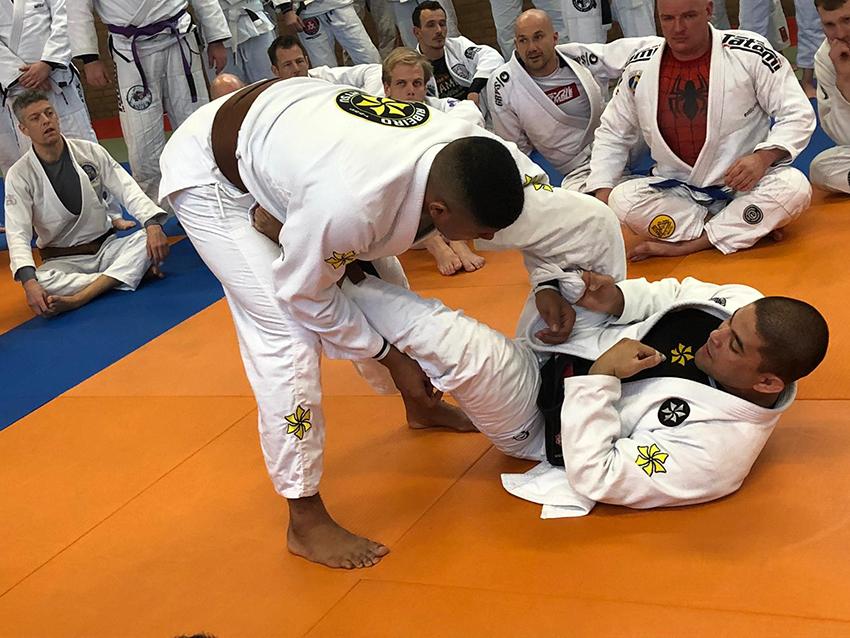 saulo-ribeiro_seminar_egjjf_gracie-jiu-jitsu-gouda_bjj-braziliaans-jiu-jitsu-zelfverdediging_selfdefense-11