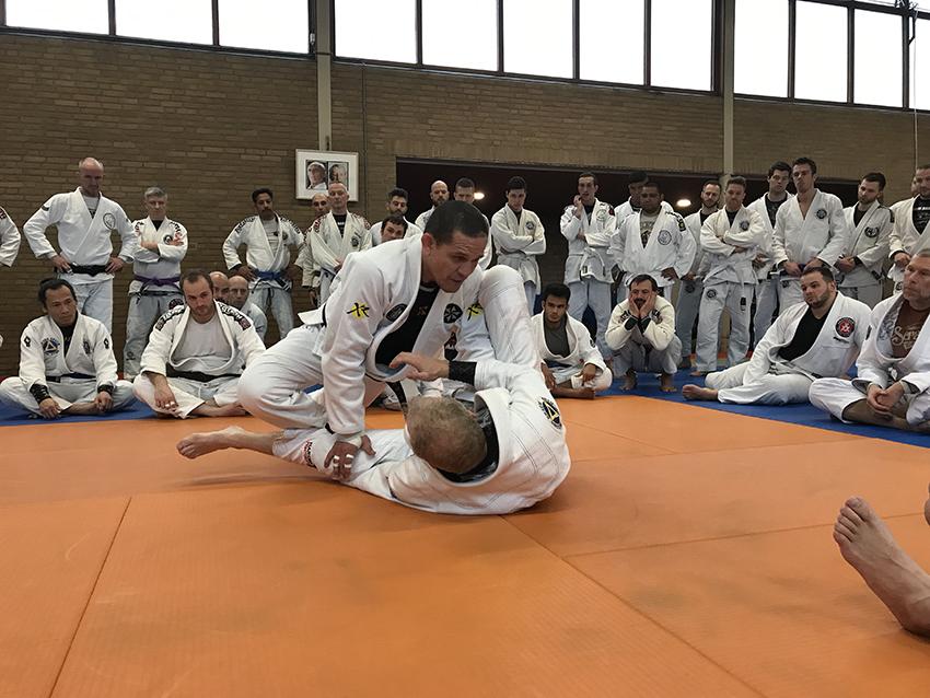 saulo-ribeiro_seminar_egjjf_gracie-jiu-jitsu-gouda_bjj-braziliaans-jiu-jitsu-zelfverdediging_selfdefense-6